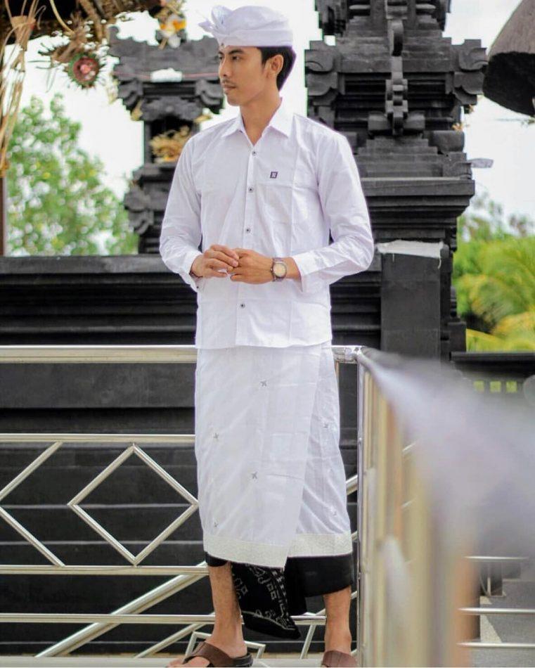 Pakaian Adat Bali Pria